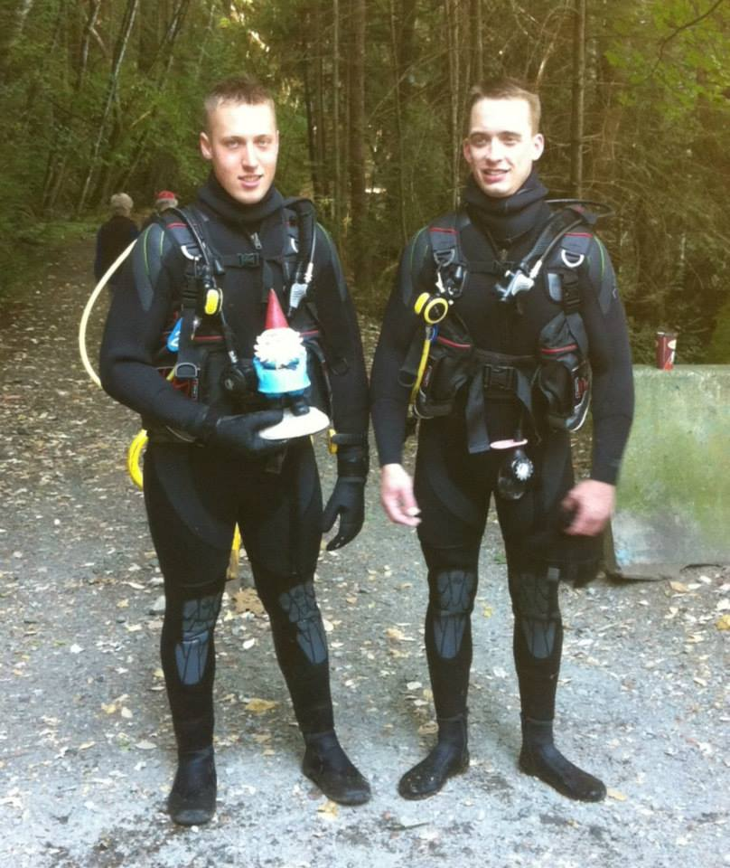 Open Water Graduates, Bryan & Talis. Hosted by Wilson Diving.